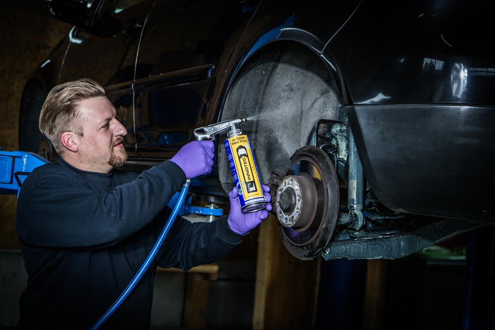 Jetzt rechtzeitig vor dem Winter Unterbodenschutz bei Ihrem Auto erneuern!